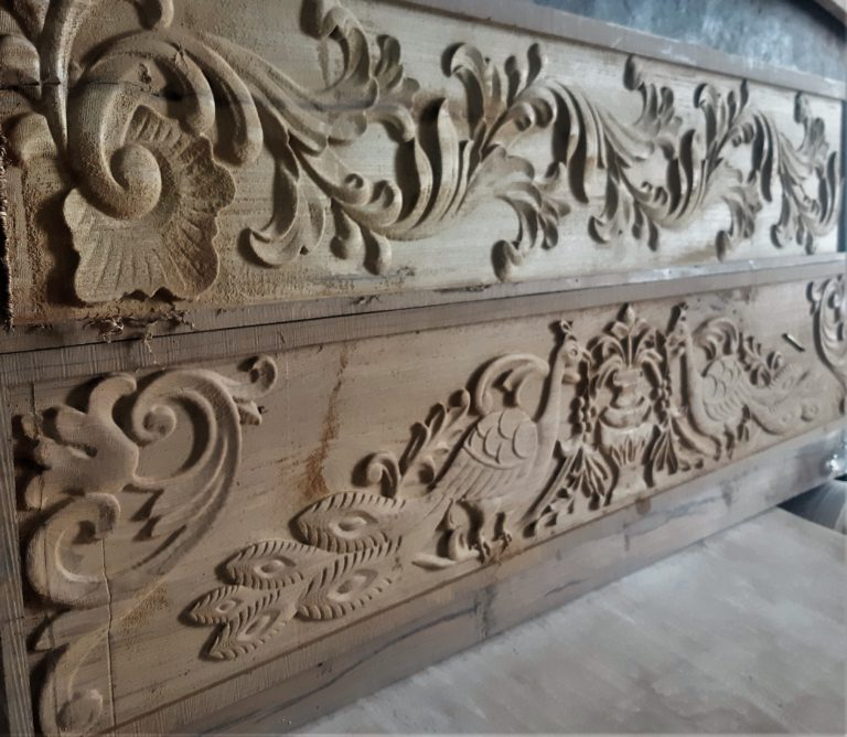 PEACOCK DESIGN ENGRAVING ON SOLID WOOD